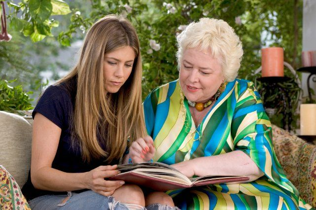 Still of Jennifer Aniston and Kathy Bates in Rumor Has It...