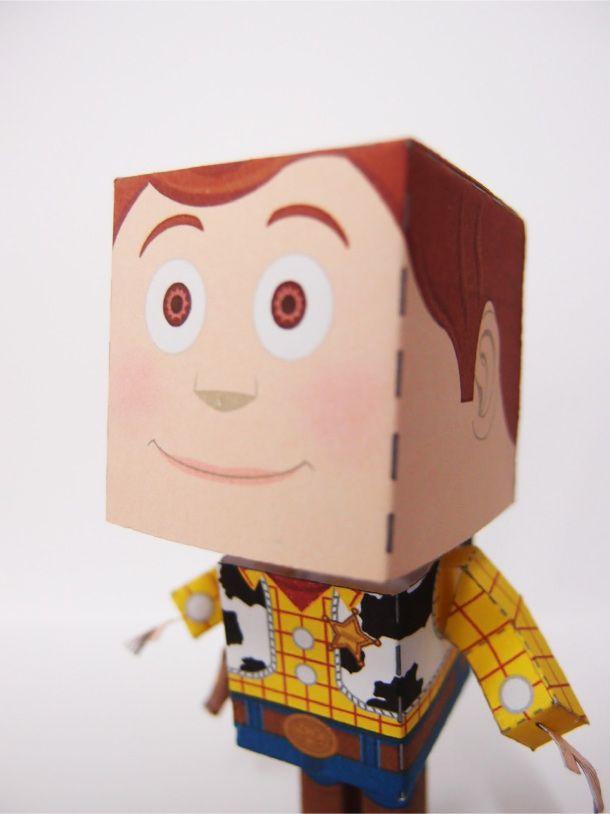 Papercraft du Shérif Woody (Toy Story) | Papertoys, Papercraft & Paper Arts