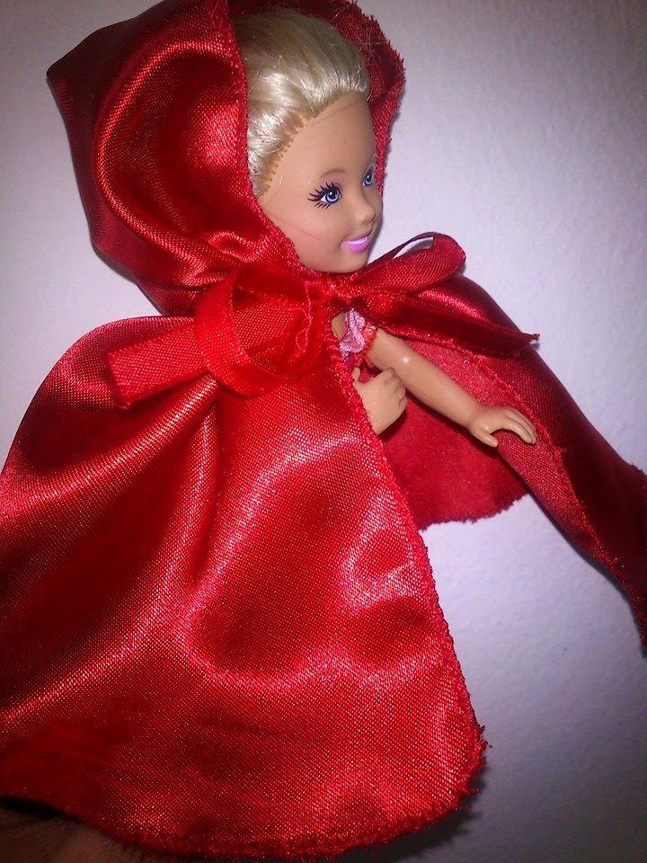 Οι παραμυθένιες: Μετατρέπουμε μια κούκλα σε κοκκινοσκουφίτσα!