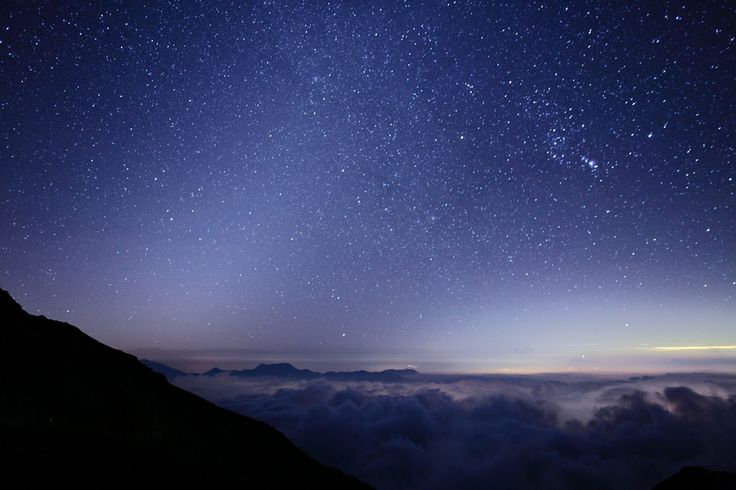 Noriko Tabuchi...sea of clouds and starsStarry Night