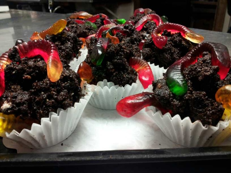 DIRT & WORMS CUPCAKES at Zia Pizza and Cafe East Orleans Cape Cod Ma.,follow us on Facebook and Instagram