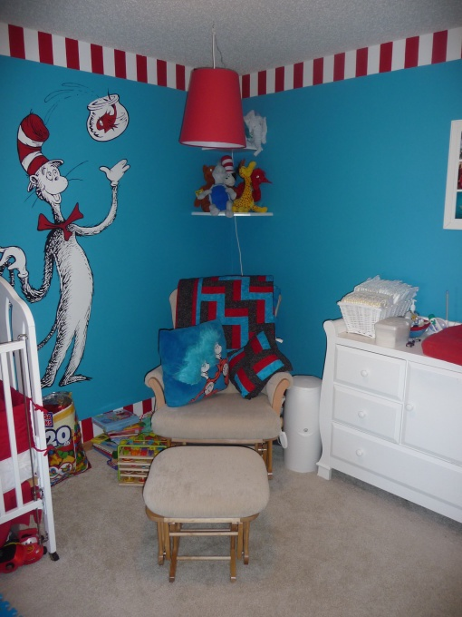 Love This Will Have To Break Out My Cat In The Hat Drawing Skills For A Future Nursery Baby Room Dr Seuss