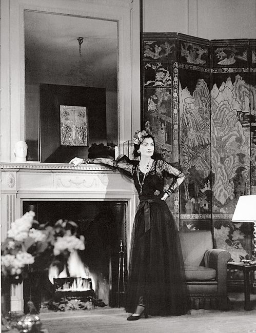 Coco Chanel in her apartment, 1937. The screen is an element I always like and never quite talk myself into. Maybe someday!