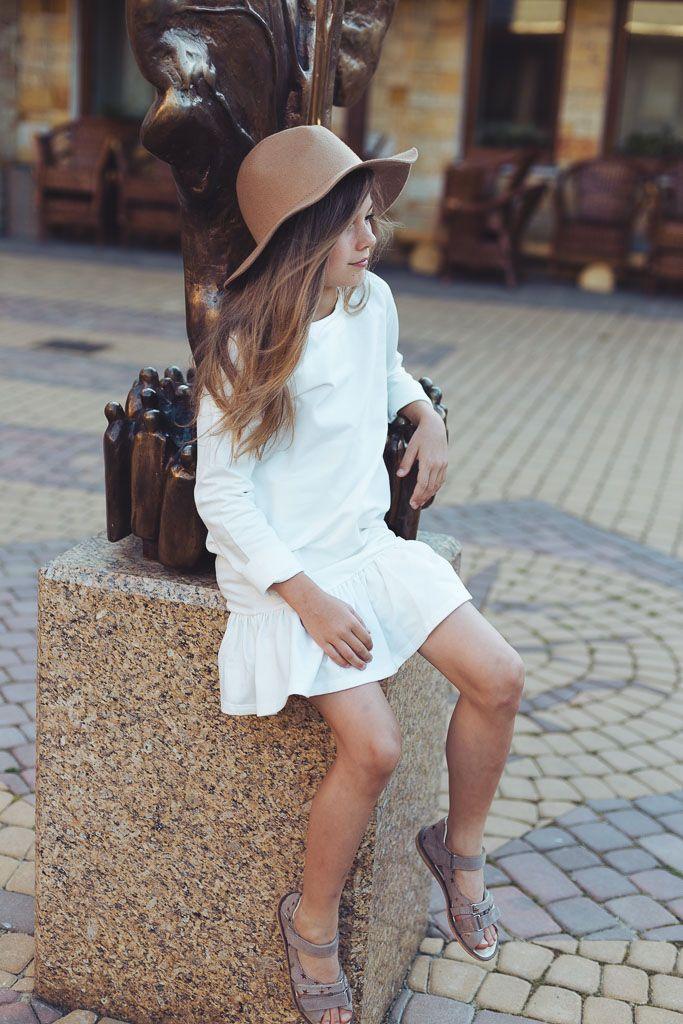 letnia sukienka dla dziewczynki z falbanką