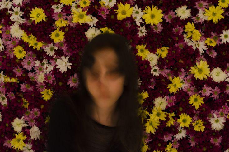 Dualidad // Valaquia 2015  Las dos habíamos sentido lo mismo. Ella, pasiva con su ser ideal. Yo, en cambio, exasperada por la normalidad, queriendo seducir a la primavera, arrastrándola a la sombra, sin dejar de ser ella.