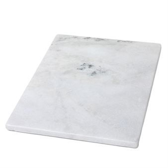 This ornamental tray from H. Skjalm P. is made of white marble and works well in the kitchen or bathroom. The tray is the perfect base for a still life but can also be used as a candle tray or serving tray for cheese and other charcuteries. Available in different sizes and combine with other products from H. Skjalm P.