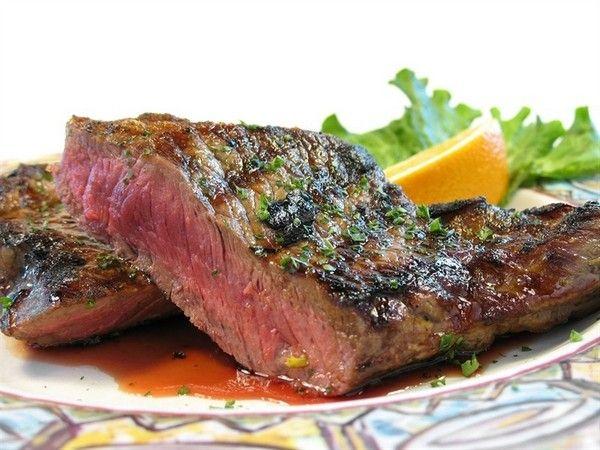 Шесть рецептов мяса на гриле | Нет высшего удовольствия, чем собраться компанией на лоне природы и пожарить мясо над весело пляшущим огоньком.