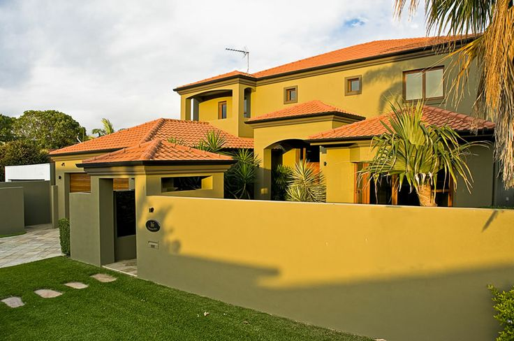 Lakeland Keys is a magnificent luxury waterfront 5 bedroom home in the heart of Broadbeach on the Gold Coast. Perfect for your next holiday.