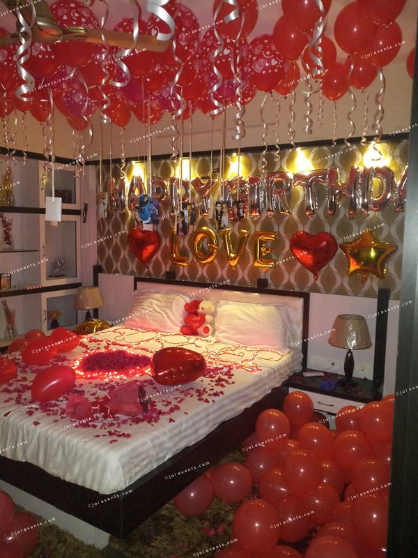 Romantic Room Decoration For Birthday Surprise Anniversary Surprise In 2020 Romantic Room Surprise Birthday Room Decorations Romantic Bedroom Decor