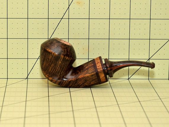 Bent Bulldog Briar smoking pipe by Anan