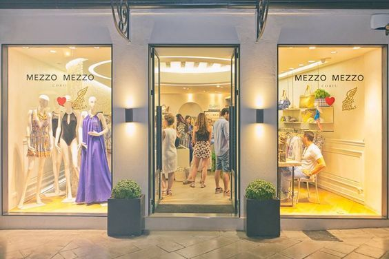 #mezzomezzo #corfu #designersboutique #sophisticated #greekdesign #fashioncorfu #corfushopping #luxurybrands