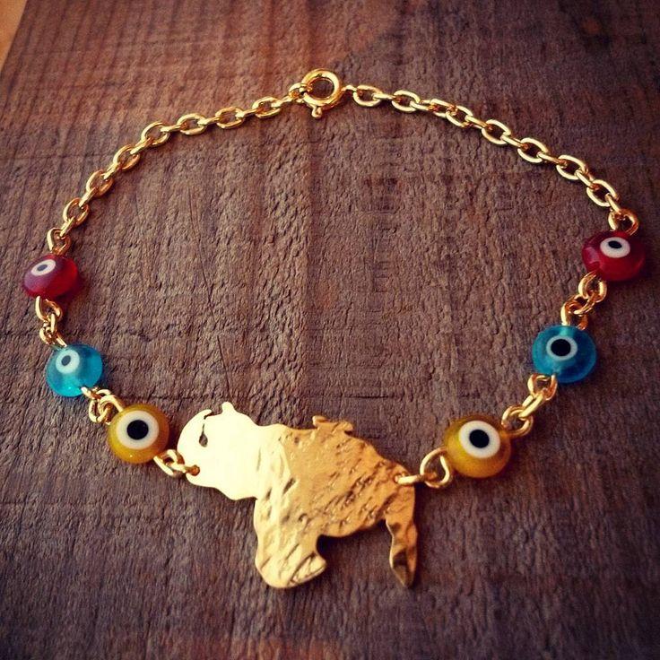 pulsera mapa Venezuela    disponible #map #mapa #venezuela #bracelet #pulsera #diseñovenezolano #handmade #handmadejewelry #talentovenezolano #hechoamano #hechoenvzla #ventaonline #patria ##diseñovenezolano http://ift.tt/2pvGkqa