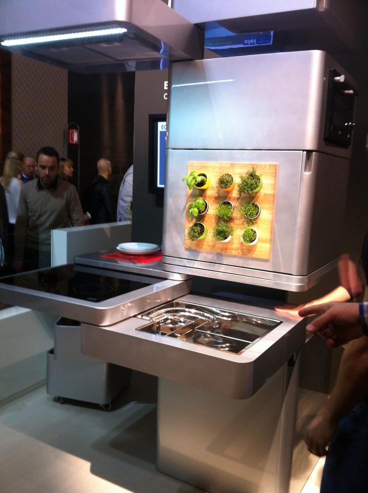 Ecooking design by massimo Facchinetti  La cuisine ecolo compacte du futur.
