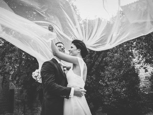 ¿Quieres vestir un dia para recordar? Nosotros te damos las claves #bride #groom #wedding #weddings #bodas #novio #traje #boda #suits #suitup #suit #bridestyle #groomstyle 📷 Carla Aymat Photography