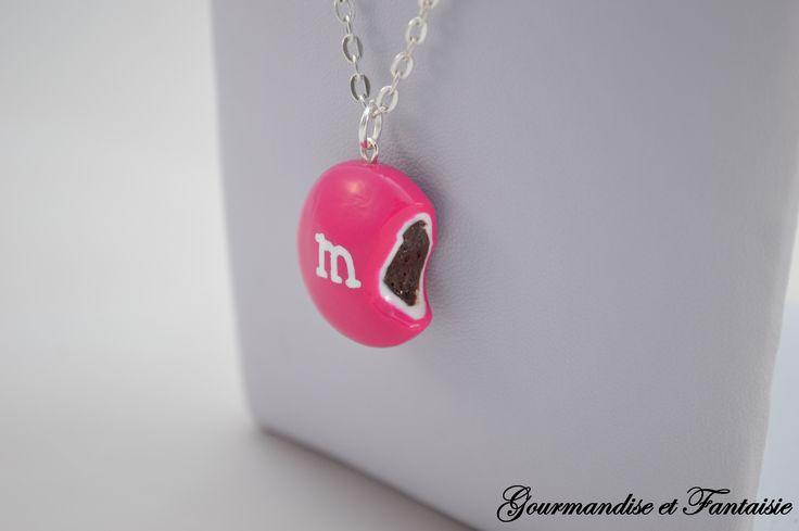 bijoux m&m's croqué en fimo clay par Gourmandise et Fantaisie https://www.facebook.com/gourmandiseetfantaisie