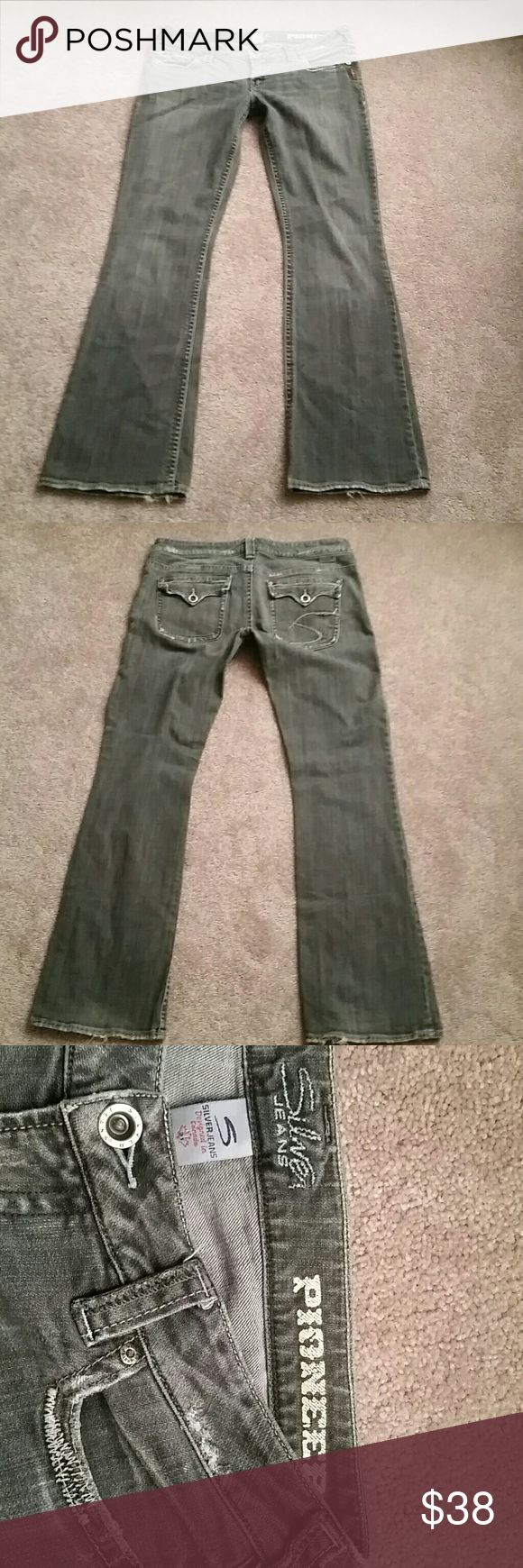 """Women's Silver Pioneer Jean's Grey wash, low rise, good condition,  flap back pockets, 33"""" inseam. Silver Jeans Jeans Boot Cut"""