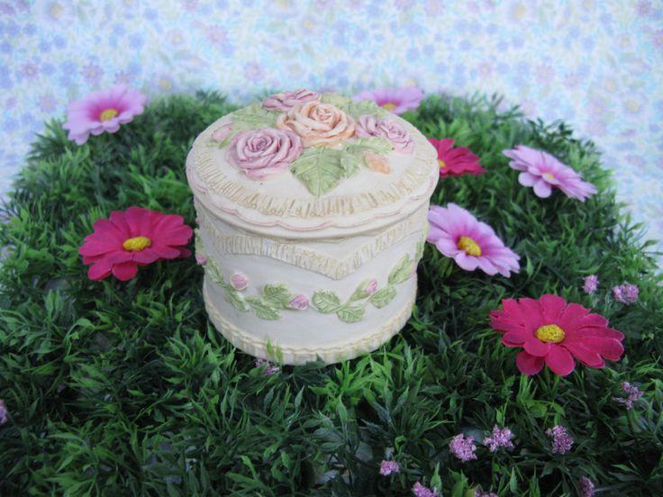 Ceramic Trinket Box - Vintage Trinket Box - Rose Trinket Box - Ceramic Trinket Box - Small Jewelry Box - Rose Jewelry Box - Ring Box by MissieMooVintageRoom on Etsy