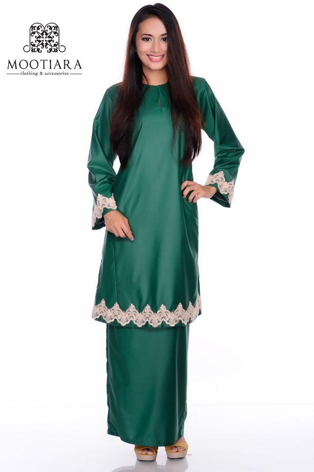 Emerald green baju kurung pahang.