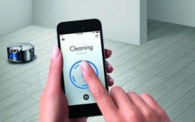 La tecnologia intelligente firmata Dyson Avete scoperto l'ultimo gioiello di casa Dyson?  360 EYE è un investimento tecnologico utile per chi non ha il tempo per la spesa, figuriamoci per le pulizie si casa. Da oggi scopa e paletta sono a