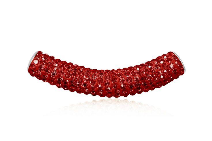 Pandantiv din argint 925 si cristale rosii. Comanda acum pe: http://www.lafemmecoquette.ro/pandantiv-tubular-din-argint/