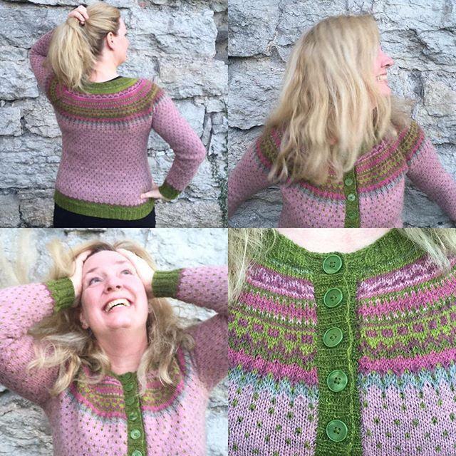 Mera loppa. More #damejakkaloppa . #loppkal #kammebornia #knitstagram #knittersofinstagram #sticklivet @pinneguri @ullcentrumoland