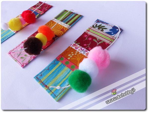 Segnalibri di stoffa - tutorial per riciclare gli avanzi piccoli piccoli di stoffa