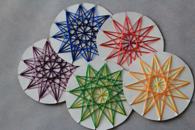 Star Weaving DIY – Play with the color of the circle or add a larger one to frame it. L M DIY und Kunsthandwerk