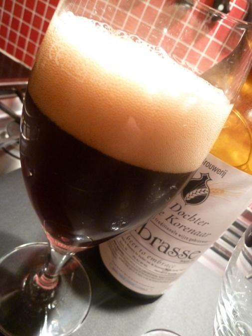 Embrasse, Peated Oak Aged, Dochter van de Korenaar 10% 5/10 aged for several months on Islay whiskey casks.