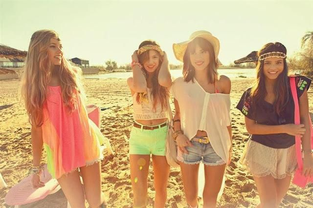 beach + friends = the perfect combination