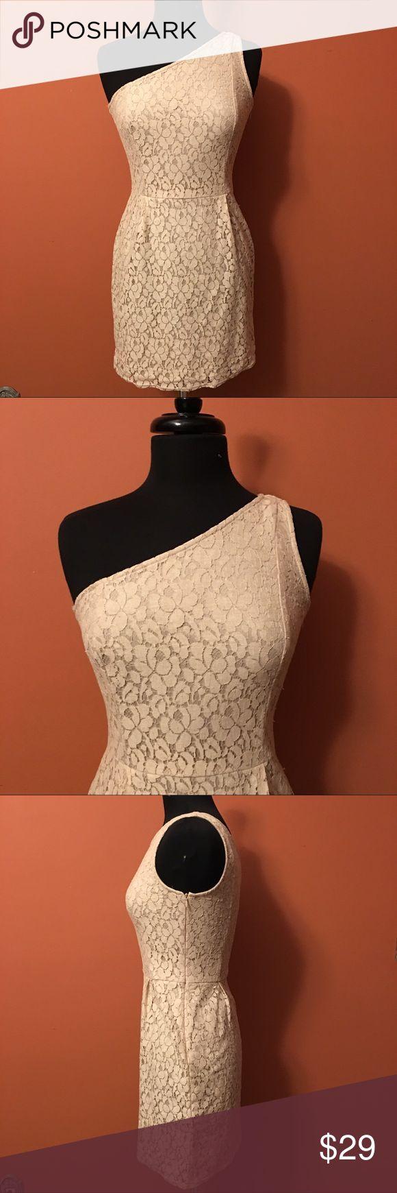 W118 by Walter Baker One Shoulder Lace Dress Size XS, in great condition, one shoulder Lace Dress with side zipper W118 by Walter Baker Dresses One Shoulder