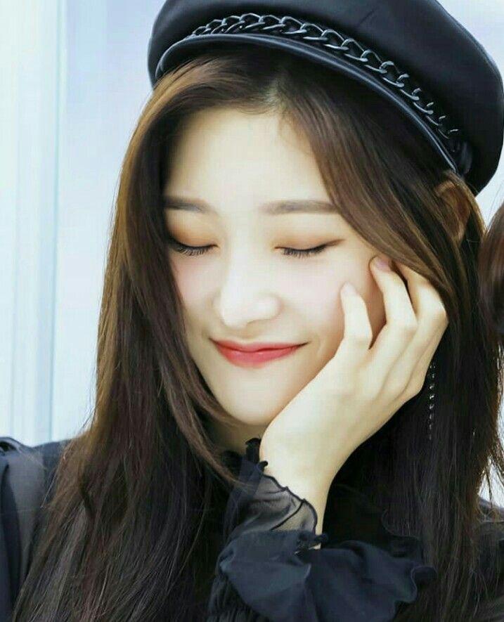 Pin on Jeon Somi (전소미)