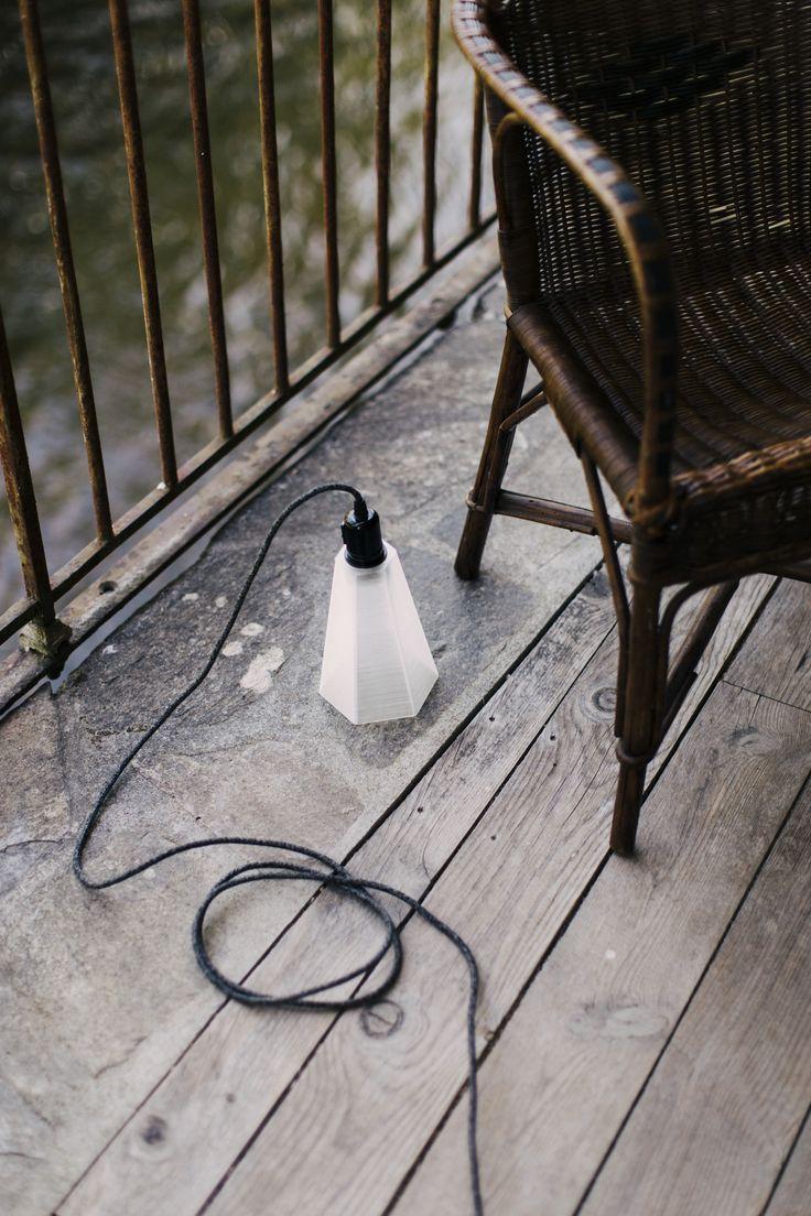 PLYSET 3D printed Lamp F01 on the floor -www.plyset.cc