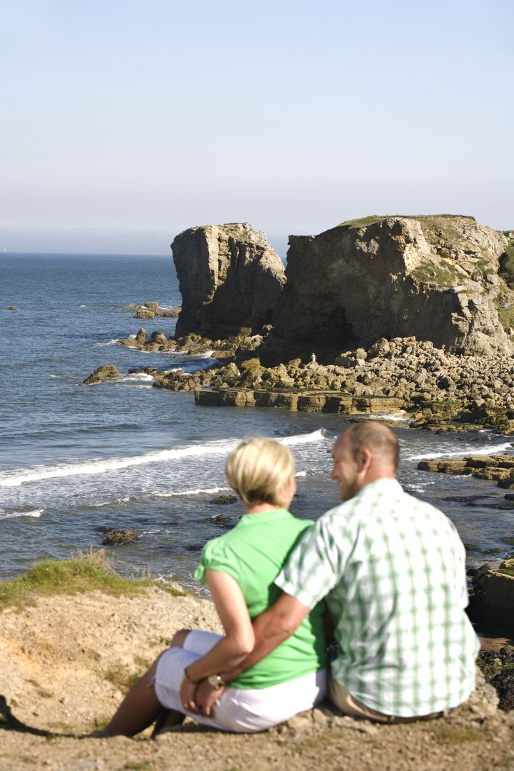 Follow the spectacular coastal paths to Marsden Bay and treat yourself with a meal at Marsden Grotto.