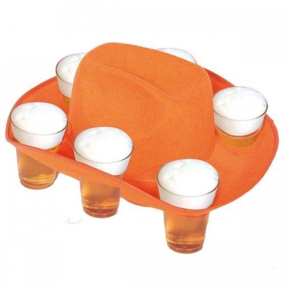 Bierhoed oranje voor het EK vrouwenvoetbal.