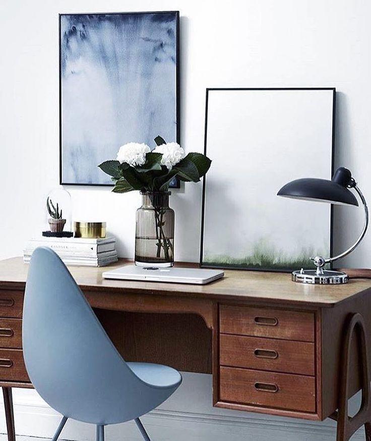 Bureau et lampe vintage + chaise goutte (A. Jacobsen)