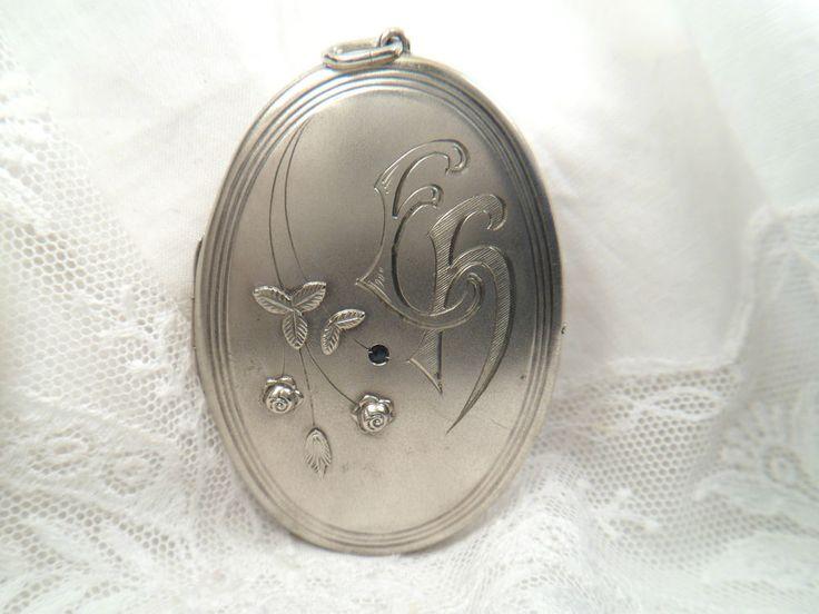 antik Anhänger Medaillon aufklappbar Metall versilbert Rosen Initialien EH od EF