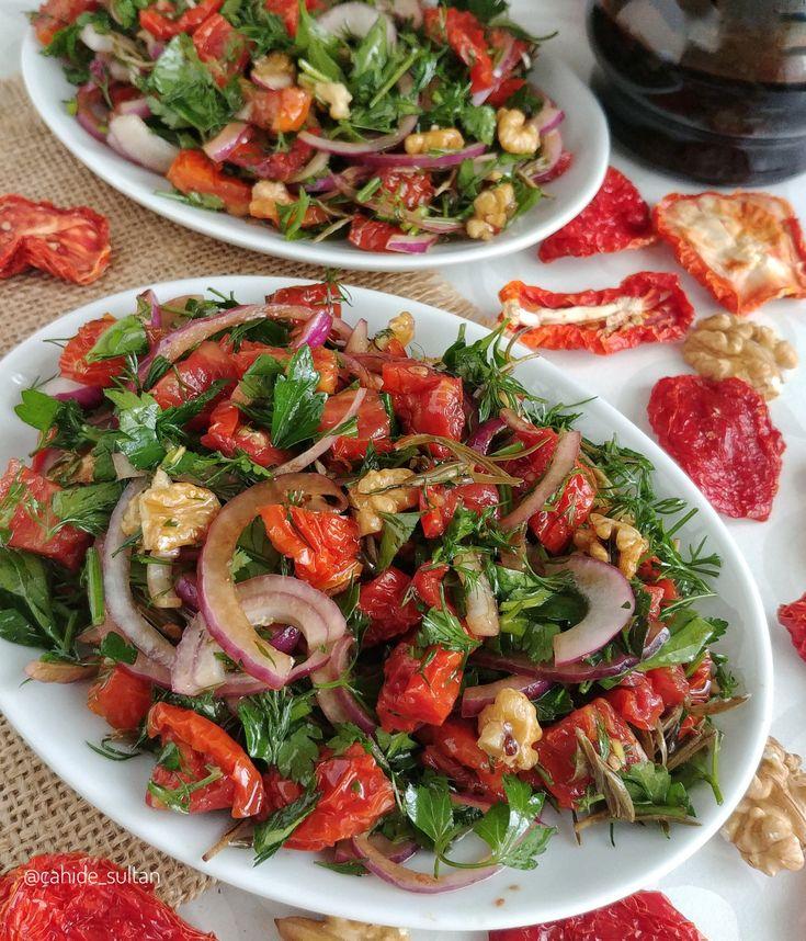 Bugüne kadar yediğiniz en nefis kuru domates salatası eminim bu olacak
