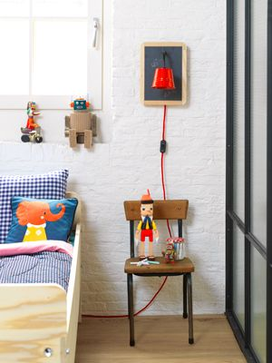 DIY Blackboard lamp #light #kids #room - Schoolbordlampje #lamp #kinderkamer. Kijk op www.101woonideeen.nl: Inspiration, Boys, Kidsroom, Boy Rooms, Diy Project, Kids Rooms
