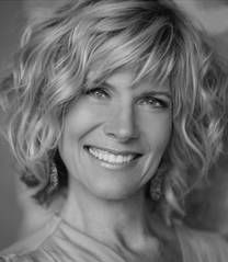 Debby Boone -  I really like this carefree look although maybe there's a lot more time/talent to make it look this gorgeous than what I have.