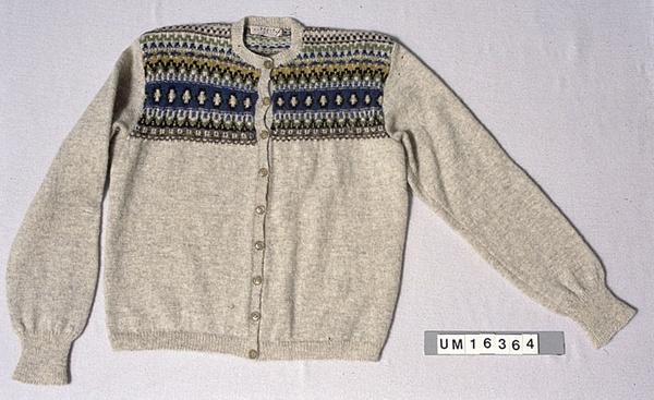 Digitalt Museum - Kofta, Bohus Stickning. Mönster Eskimo av Anna-Lisa Lunn. 1948-9