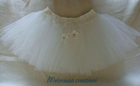 Gonna tutù bianco per bambina fatta a mano su misura all'uncinetto in cotone e tulle,stile ballerina