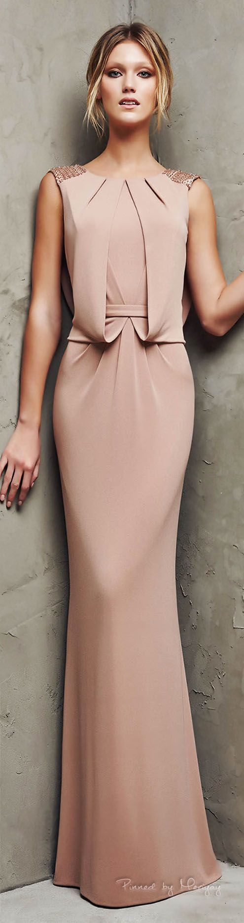 14 best Backless evening gowns images on Pinterest | Evening gowns ...