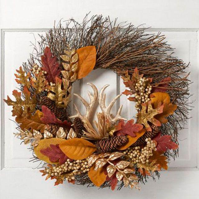 Best 25 antler wreath ideas on pinterest elk antlers for Antler christmas wreath