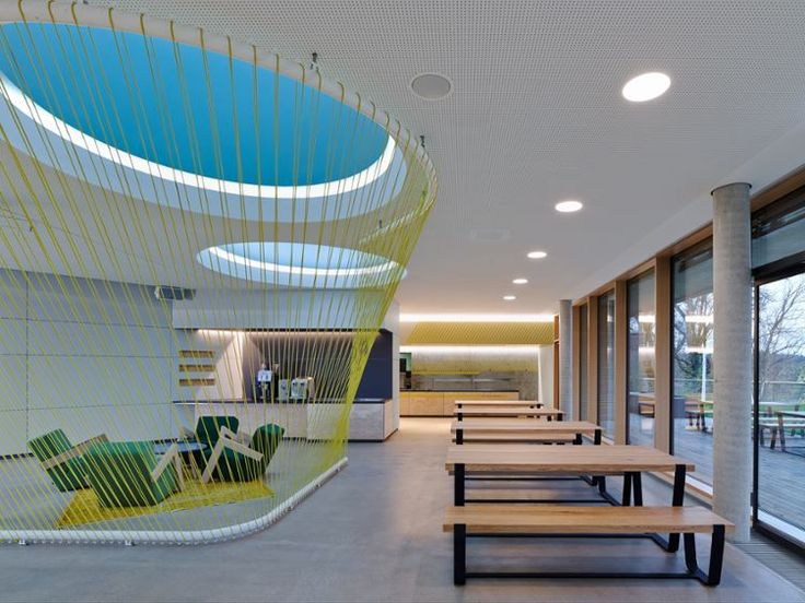 The Innovation Centre Potsdam, designed by SCOPE as a laboratory for IT developments of the Walldorf-based software company SAP, is a think tank for the creative collaboration between clients, researchers and students. The office is a place of collaboration; flexibility, openness and transparency characterize the architecture.