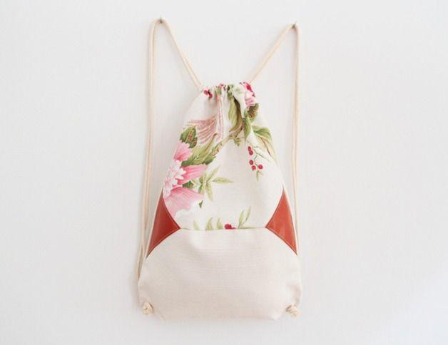 Turnbeutel mit Blumen und Lederapplikationen // gym bag by Eulenschnitt via DaWanda.com