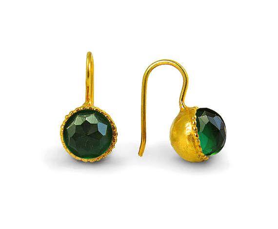 Groene Toermalijn oorbellen, Swarovski groene toermalijn oorbellen, gouden oorbellen, groene edelsteen oorbellen, bengelen oorbellen, oktober verjaardag
