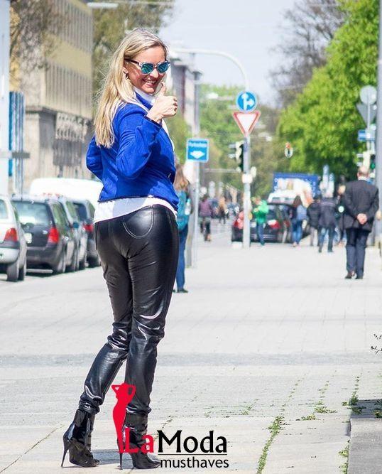 Koop nu onze collectie #vrouwenbroeken en leggings tegen de beste prijs met gratis verzending.