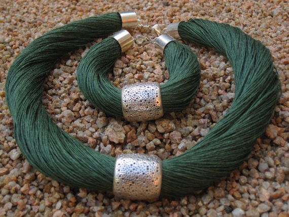 Set Necklace and bracelet Natural Linen green hornet by espurna88