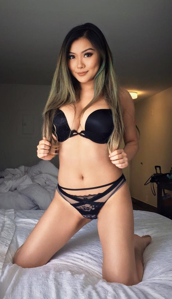 reddit busty petite
