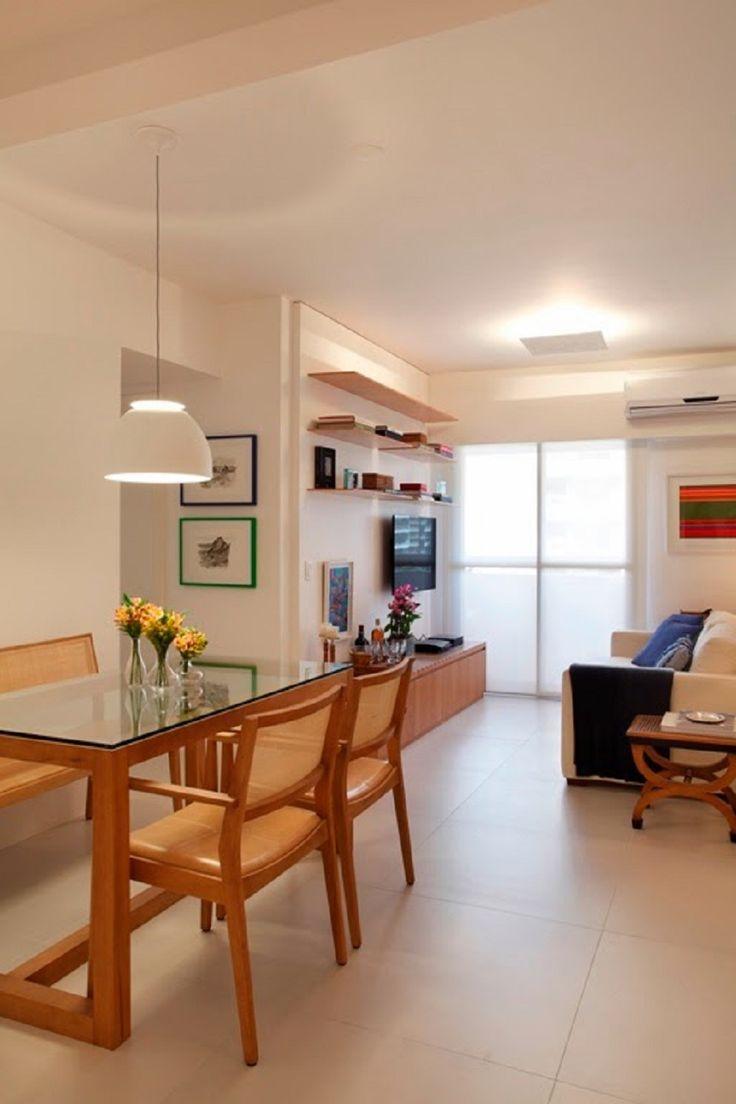 7 Tips para hacer que tu sala-comedor se vea más grande. Comedor. Mesa. Silla. Sala. Lámpara de techo. Sofá. Mesa auxiliar. Encuentra dónde comprar este diseño y Producto en Colombia.